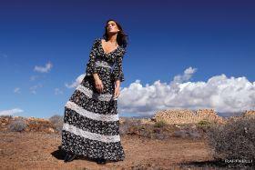 set 827 zwart lang kleed met witte bloemen Linea Raffaelli