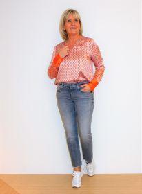 Oranje bloes met lichtblauwe en ecru blokjesprint Herzen'S angelegenheit