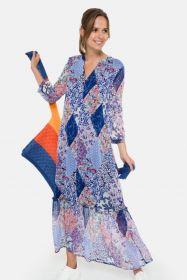 Blauw lang kleed met verschillende prints en volant onderaan Terre Bleue