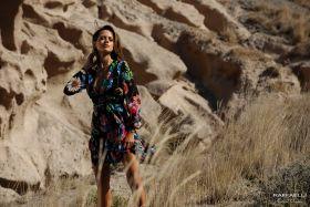 Zwart gebloemd, afgesneden V-hals kleed Linea Raffaelli