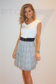 Wit zwart kleed met bollen onderaan Linea Raffaelli