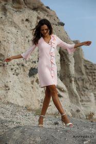Roos kleed met witte frul vooraan Linea Raffaelli