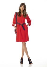 Rood kleed met blauwe riem Caroline Biss