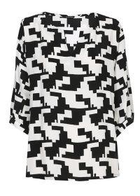 Zwart witte bloes met grafische print Caroline Biss