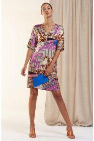Multicolor kleed met combinatie van verschillende prints HER