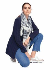 Beige sjaal met marine print Riani