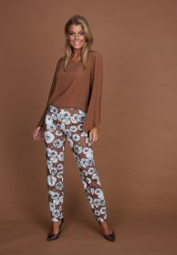Bruine broek met ecru bloemenprint Riani
