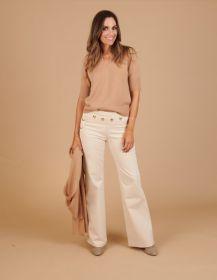 Beige bootcut-broek met gouden knopen bovenaan Caroline Biss