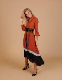 Roest hemdkleed met riem en plissé onderaan Caroline Biss