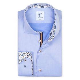 Lichtblauw hemd met dierenprint op manchette en kraag R2 Amsterdam