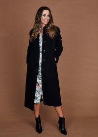 Zwarte lange mantel Cinzia Rocca