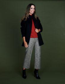 Zwarte mantel met tricot mouwuiteinde Cinzia Rocca