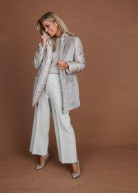 Beige jas uit 2 vershillende stoffen Cinzia Rocca