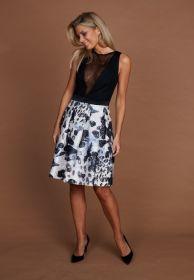 Zwart kleed met zwart - witte 'rok' Linea Raffaelli