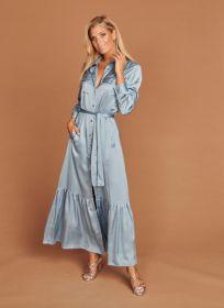 Lichtblauw lang hemdkleed met volants onderaan Mucho Gusto