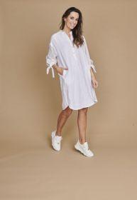 Wit hemdkleed met linten aan de mouw Riani