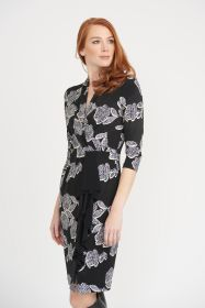 Zwart kleed met witte print en jabot Joseph Ribkoff