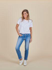 Witte T-shirt met parels die bloem vormen Margittes