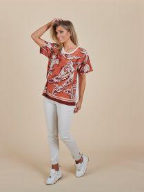 T-shirt met bordeaux print vooraan en witte achterkant Seventy