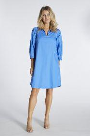 Blauw kleed met speciale mouw Blue Bay