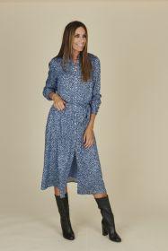 Lichtblauw lang hemdkleed met zwarte spikkels Senso